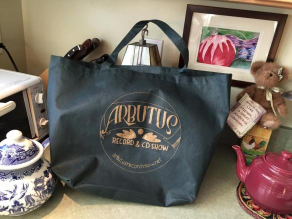 arbutus record show bag
